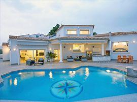 Bể bơi thông minh – xu hướng mới cho biệt thự và resort