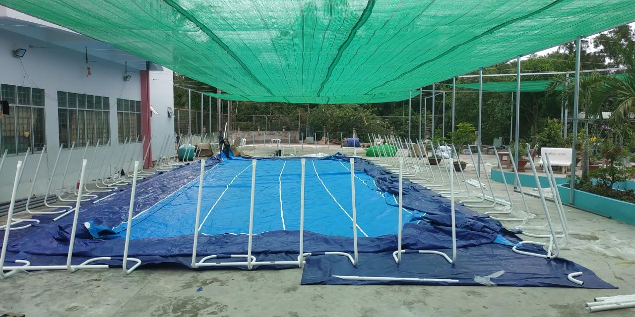 bể bơi khung kim loại Thùy Linh