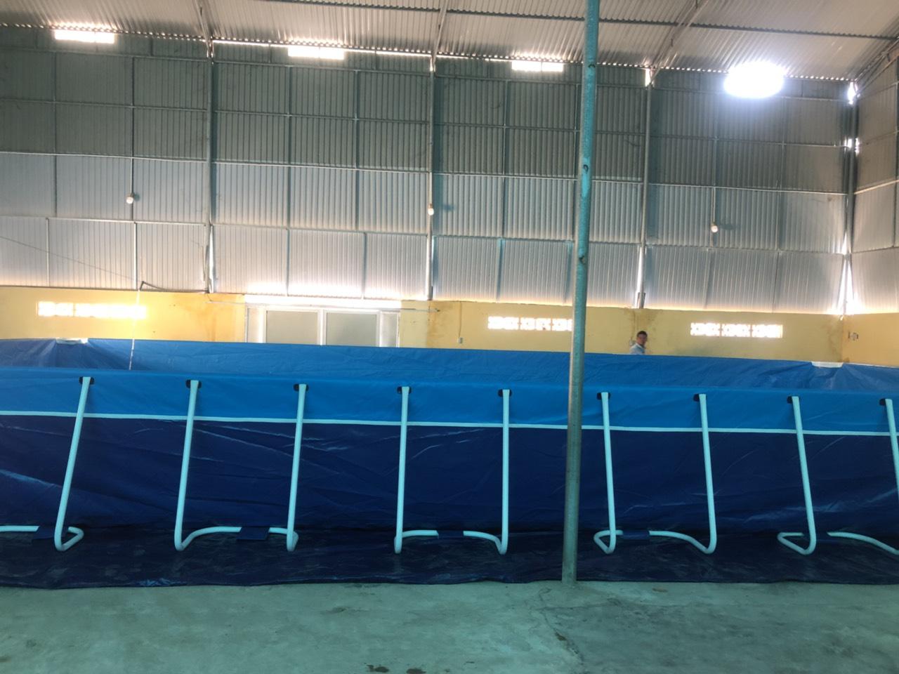 hồ bơi khung kim loại