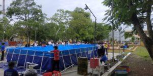 bể bơi khung kim loại trường học