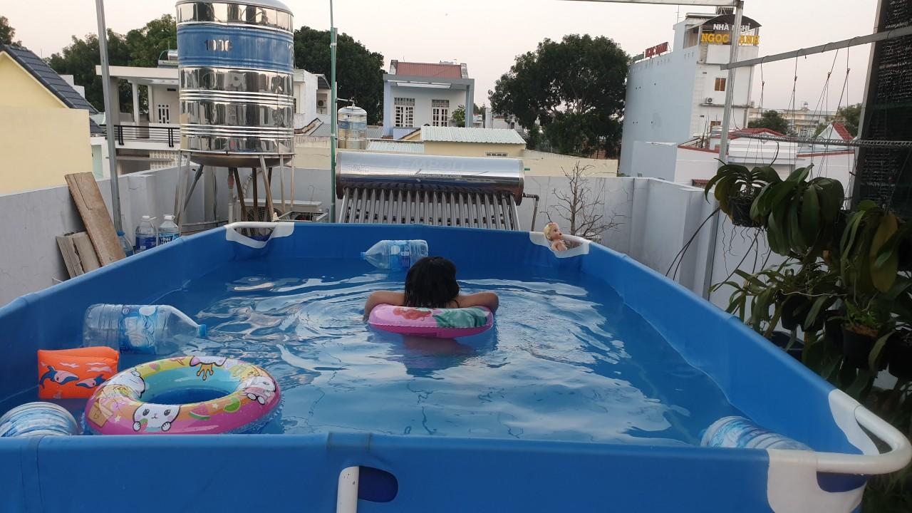 bể bơi gia đình đặt trên tầng thượng