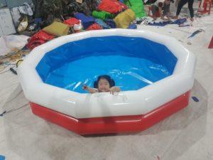 bể bơi phao bơm hơi Thùy Linh
