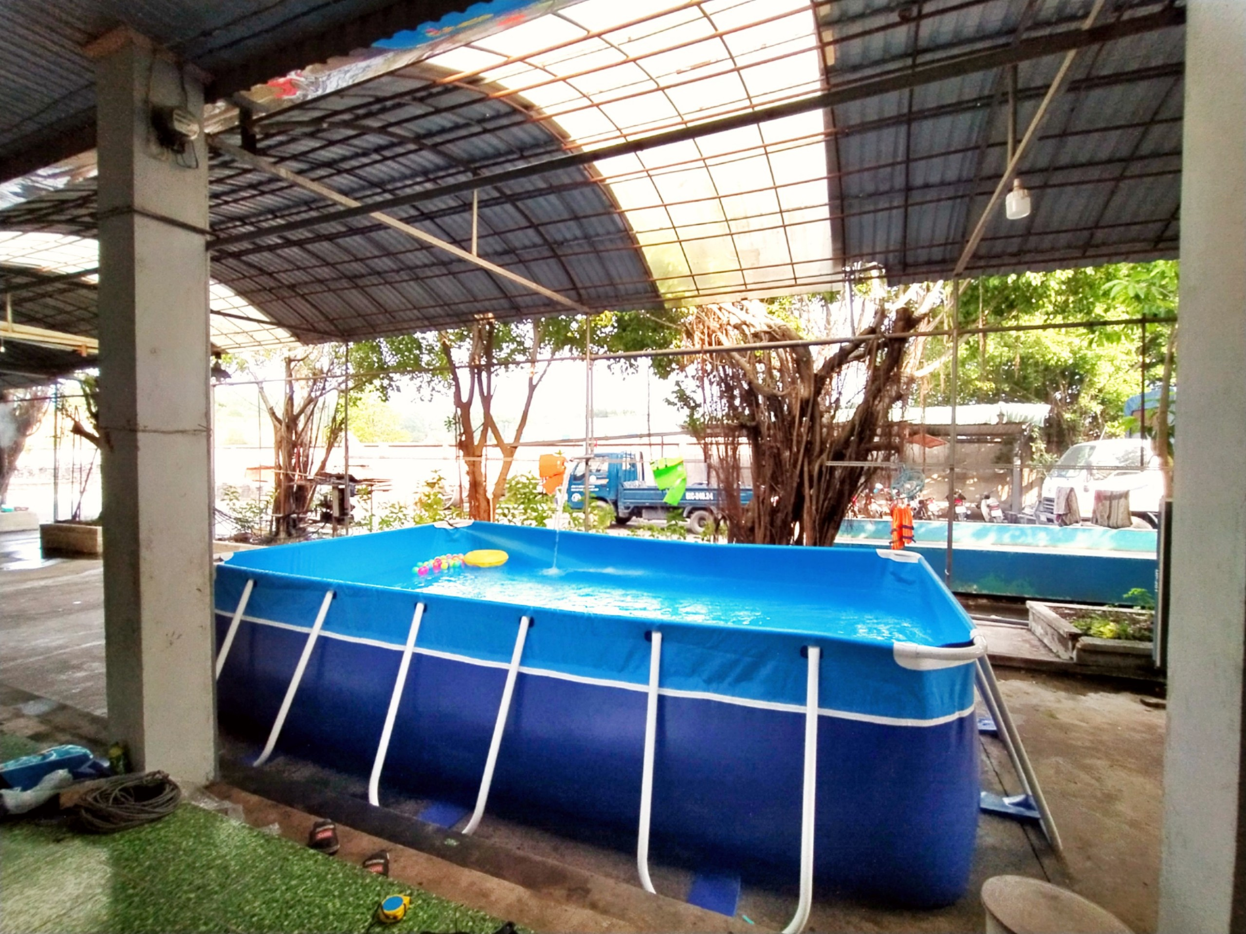 bể bơi gia đình khung kim loại