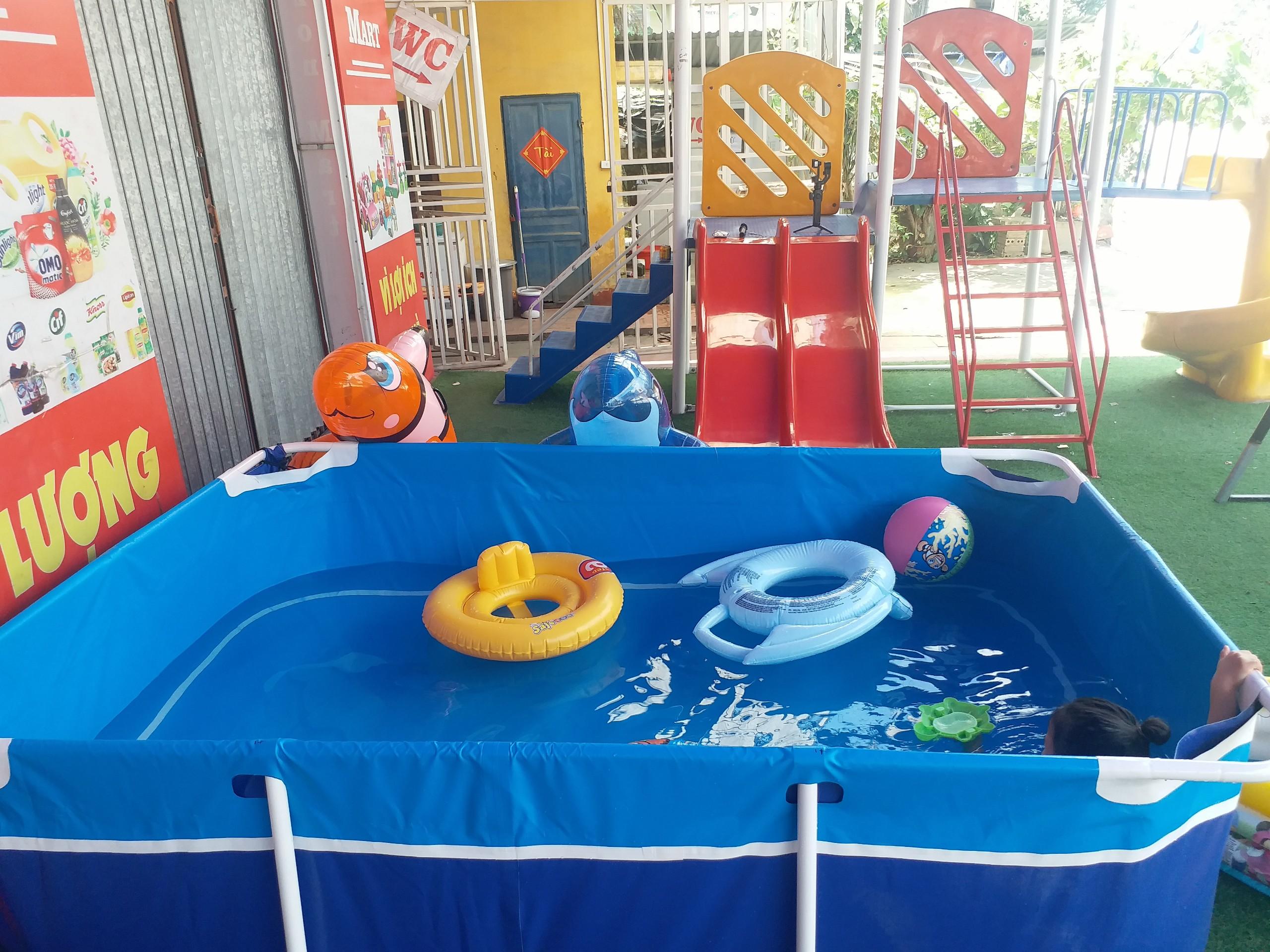 hồ bơi trẻ em gia đình