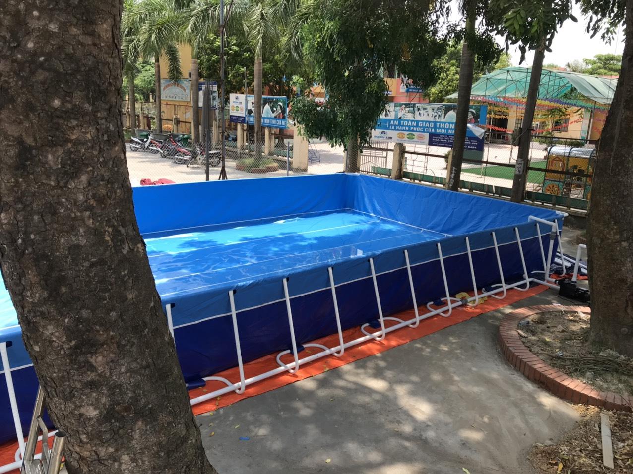 một góc hồ bơi trường học lắp ghép